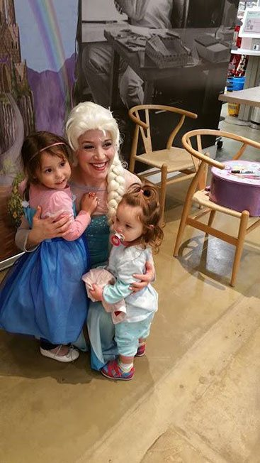 Queen Elsa hugging her biggest fans! | Princess Party